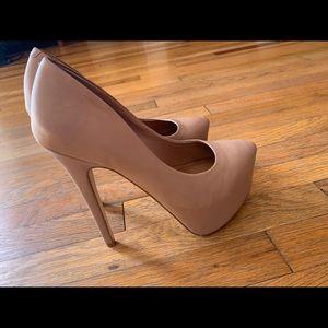 Steve Madden nude heels. Worn once sz7
